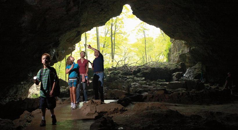 maquoketa caves iowa USA