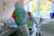 PPE art brings smile to Moscow's COVID patients