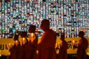 200,000 Thai Buddhists attend annual prayer and lantern ritual on holy day via zoom