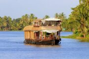 Unauthorized houseboats should be seized - High Court
